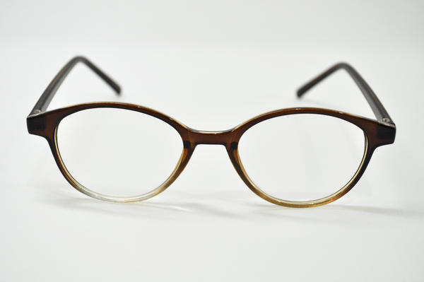写真:メガネトップグループ(眼鏡市場)